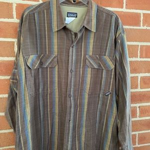 Men's long sleeved Patagonia shirt
